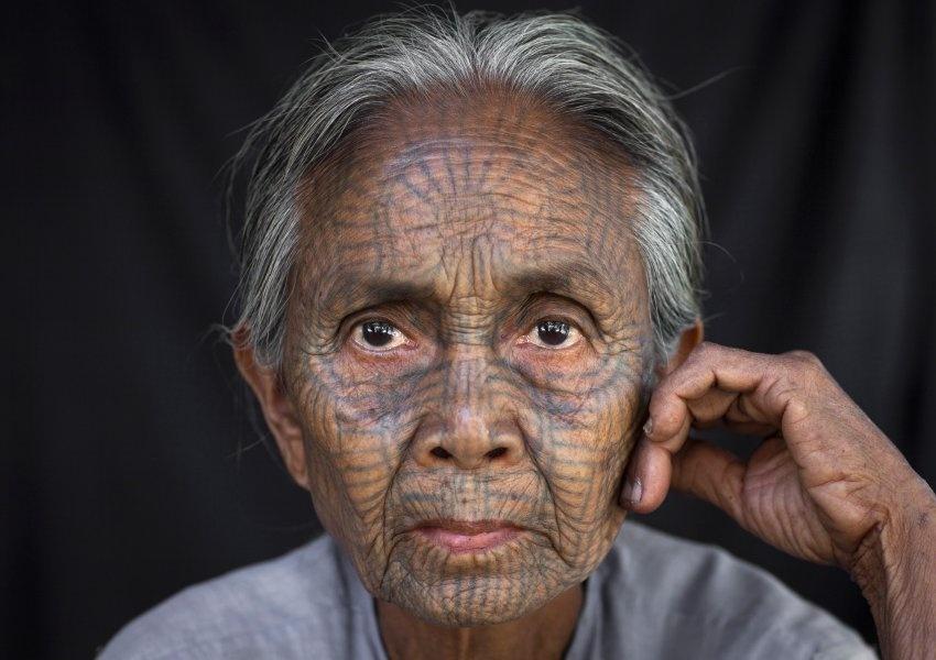 Женщина племени Чин