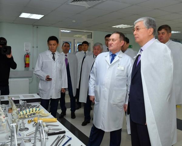 Президент поручил реконструировать НИИ травматологии и ортопедии в столице