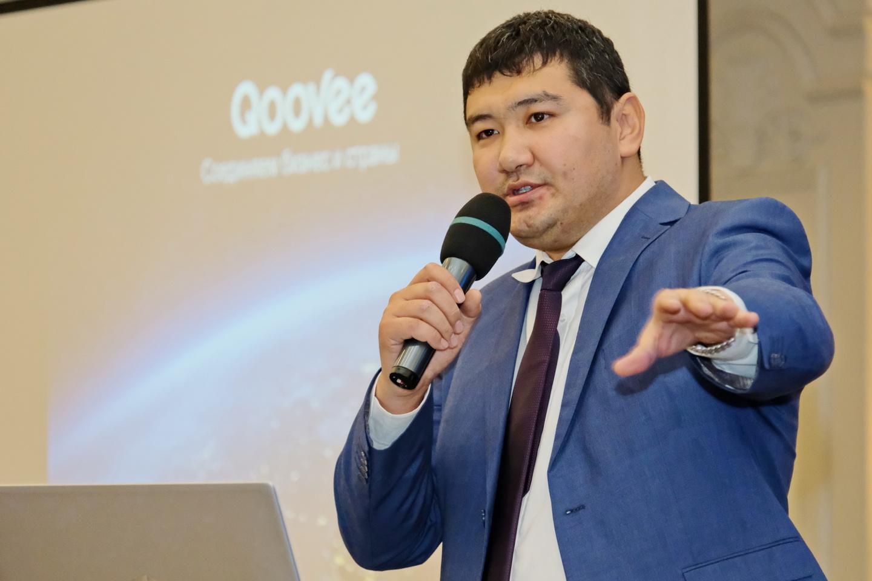 На фото:Турат Булембаев, основатель международной бизнес-площадки QOOVEE.com