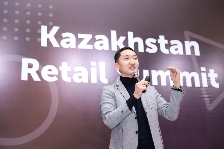 На фото:руководитель подразделения по заботе о клиентах «Технодом» (Казахстан) Александр Ли